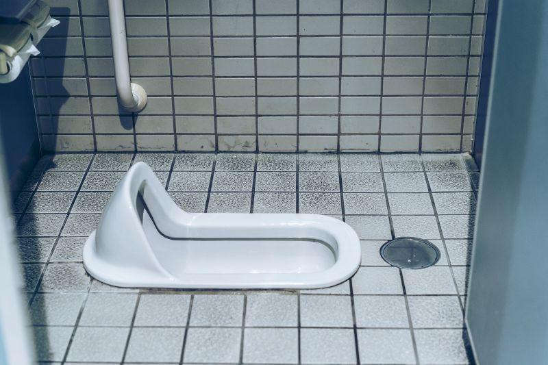 Toiletten in Japan, traditionelles Hockklosett
