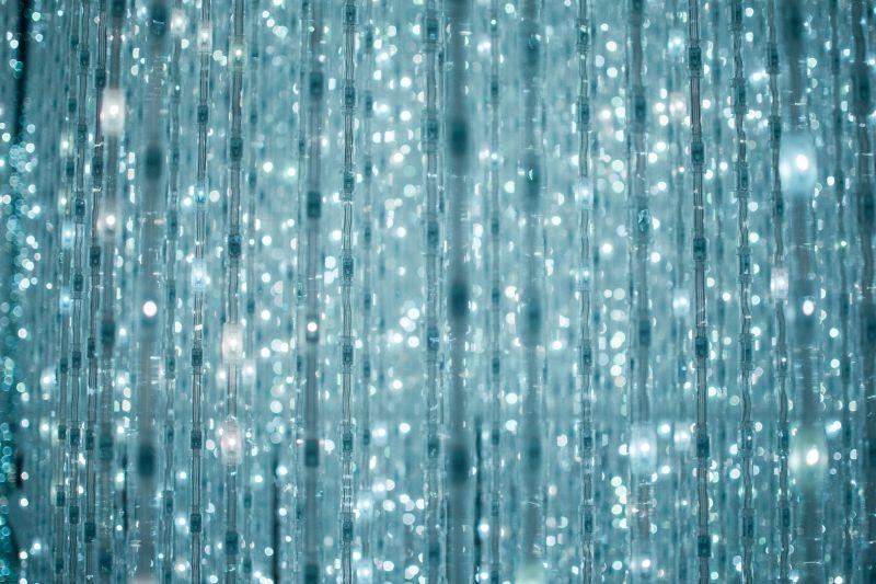 Kristalllichter im Raum Crystal Vortex, Teamlab Borderless Museum
