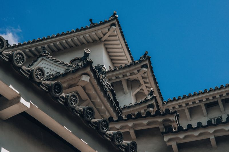 Nahaufnahme der Dächer von Himeji-jo