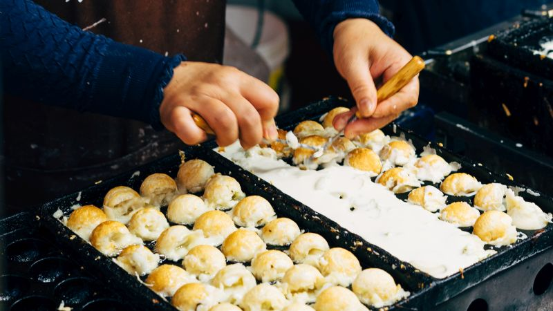 Takoyaki, Teigbällchen mit Oktopuss, Japanisches Gericht