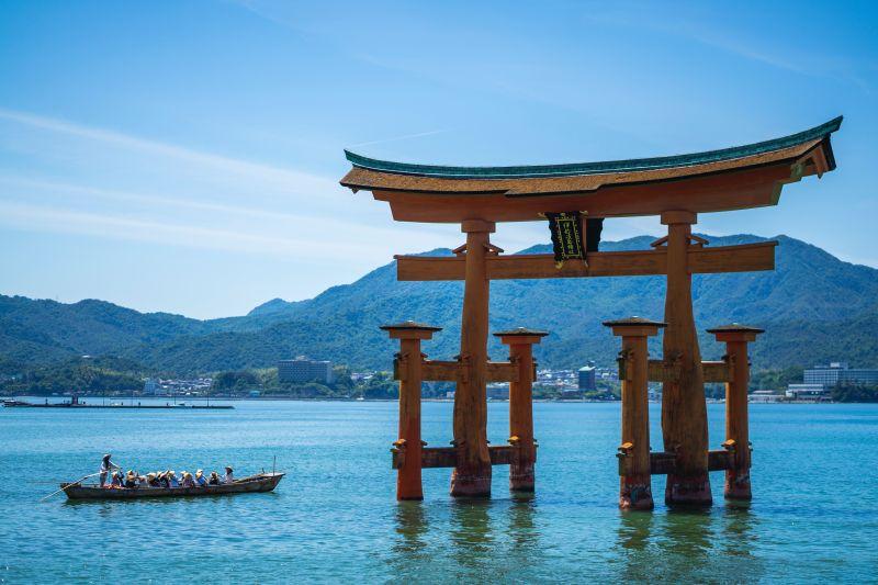 Miyajima, Rotes Torii Tor, Japan